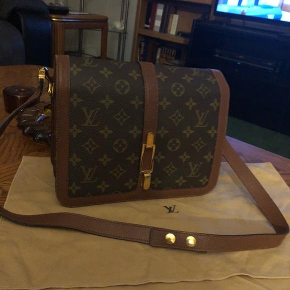 d05e99566603 Louis Vuitton Handbags - Vintage Retired Louis Vuitton Rond Point bag